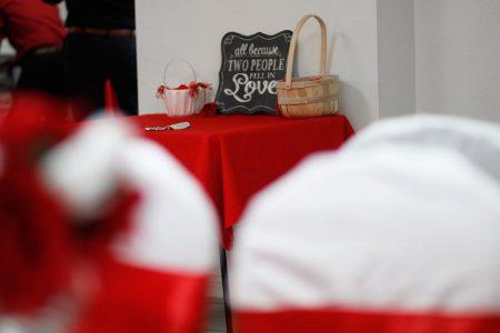 the-beacon-center-cake-table